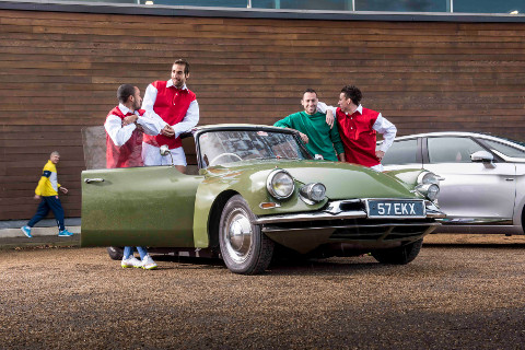 ARSENAL STARS PAY HOMAGE TO 60 YEARS OF DS img3
